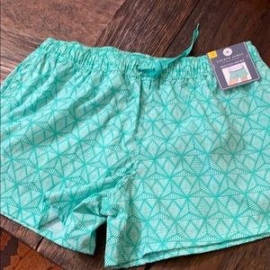 NWT green pattern shorts with elastic tie waist